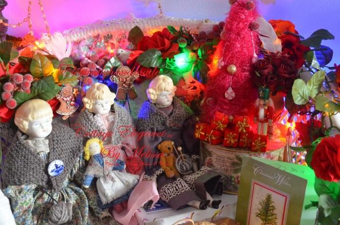 Tasha Tudor style cottage elegance hand knit shawl and pattern tashatudorandfamily.com elegantlyhandmade.wordpress.com