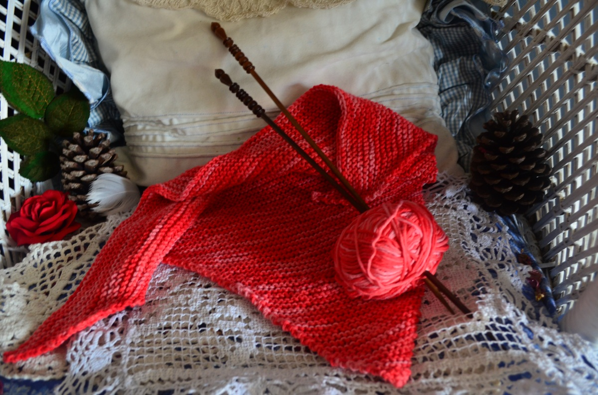 Hand made gifts Unique yarns Kelp fiber Hand made hygge